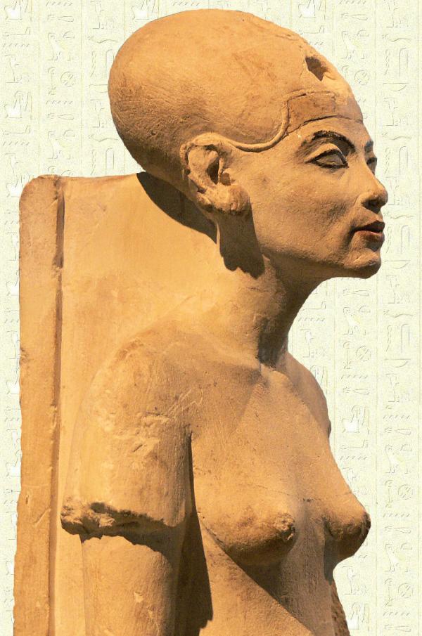 statuie-nefertiti-in-care-se-poate-observa-craniul-alungit