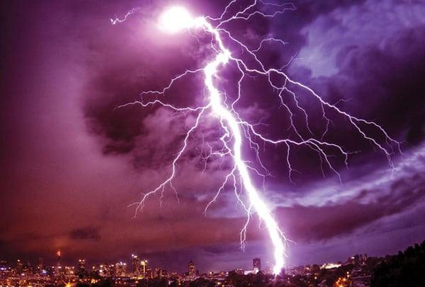 puterea-unui-trasnet-fulger