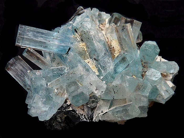 puterile-magice-ale-cristalelor-acvamarin
