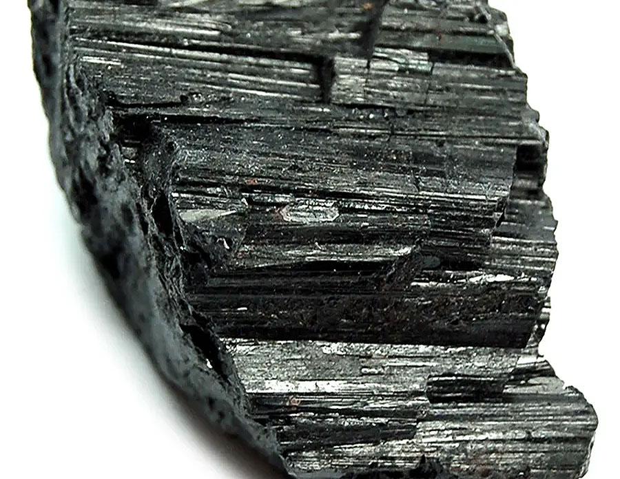 turmalina-cristalul-purificator-si-protector