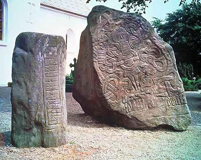 ce-semnifica-sau-simbolizeaza-runele-celtice-01